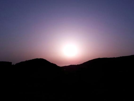 鬼岳の朝日